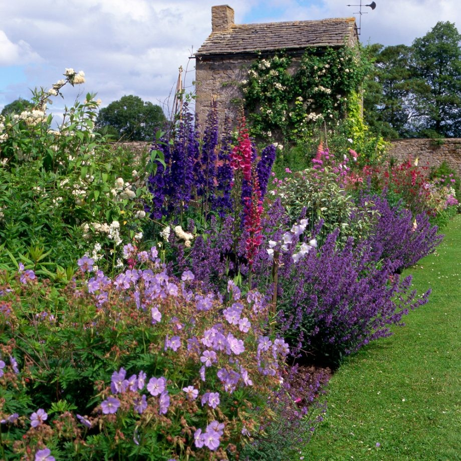 اجمل ديكورات الحدائق 13